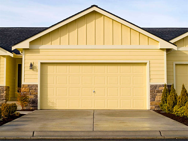Garage vs. third bedroom? Weigh the options carefully. (Travis Manley/istockphoto.com)