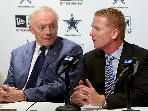 Dallas Cowboys owner Jerry Jones (left) and head coach Jason Garrett (right). (Brad Loper/The Dallas Morning News/AP)