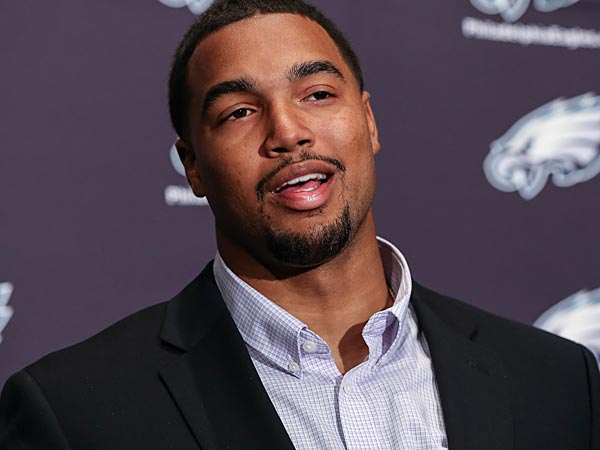 Eagles' deal for top pick Marcus Smith is a breeze