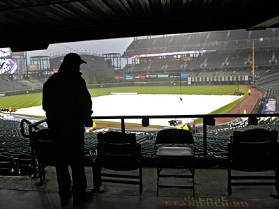 Tonight´s Phillies game in Colorado has been postponed. The teams will play a double-header on Wednesday. (Ed Andrieski/AP)