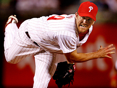 Brad Lidge has returned to Philadelphia due to a sore elbow. (Ron Cortes / Staff Photographer)