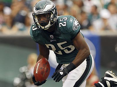 Eagles RB LeSean McCoy is getting a lot of love nationally. (Yong Kim/Staff file photo)