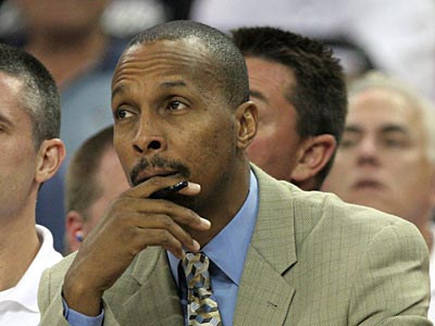 Rockets assistant coach Elston Turner will interview for the Sixers´ head coaching job. (AP Photo/Rich Pedroncelli, File)
