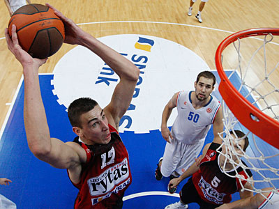 Jonas Valanciunas of Lithuania is one of the top rated centers in this year´s NBA draft. (Mindaugas Kulbis/AP)