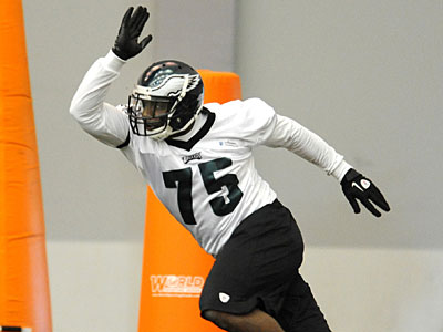 Eagles rookie defensive end Vinny Curry explodes off the line during drills at the Eagles´ rookie minicamp. (Clem Murray/Staff Photographer)