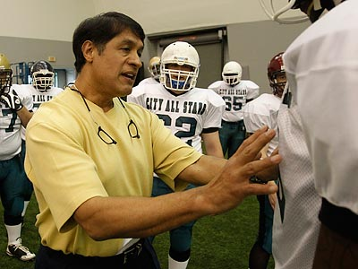 Juan Castillo and the Eagles have not been able to hold practices because of the lockout. (Ron Cortes/Staff Photographer)