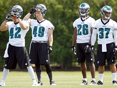 Eagles safeties participate in OTAs at the Novacare Complex this week. (David Maialetti / Staff Photographer)