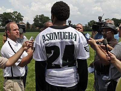 Eagles CB Nnamdi Asomugha thinks new secondary coach Todd Bowles will help the defense. (Alex Brandon/AP)
