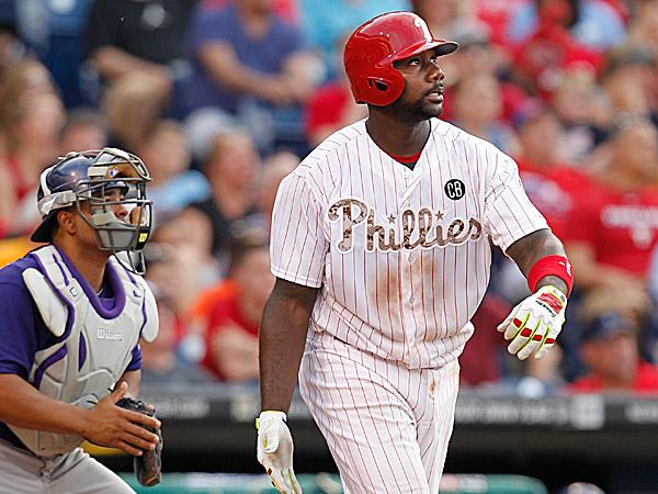 Phillies first baseman Ryan Howard watches his two-run home run. (Ron Cortes/Staff Photographer)