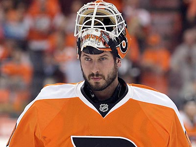 Michael Leighton has re-signed with the Flyers after being named an AHL All Star last season. (Yong Kim/Staff file photo)