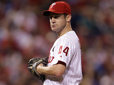 Roy Halladay´s injury might force the Phillies to consider bringing back Roy Oswalt. (Matt Slocum/AP Photo)