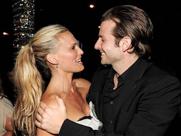 Molly Sims and Bradley Cooper attend the 2009 CFDA Fashion Awards in New York, Monday, June 15, 2009. (AP Photo)