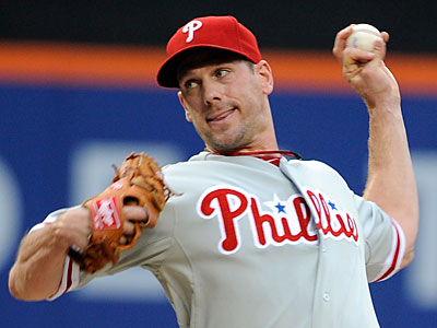 The Diamondbacks are reportedly in the mix to acquire Phillies starter Cliff Lee. (Kathy Kmonicek/AP Photo)