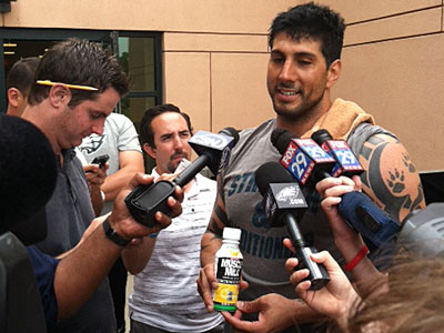 Jason Babin nearly missed Eagles´ OTAs because he was stuck in Alaska. (Photo by Les Bowen)