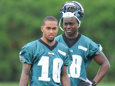 Eagles top receivers, DeSean Jackson and Jeremy Maclin, take a break from drills. (Clem Murray/Staff Photographer)