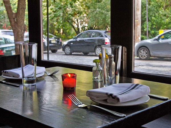 Table setting at window seat on first floor of  Jerry´s Bar, 129 W Laurel St., Northern Liberties.  ( DAVID M WARREN / Staff Photographer )