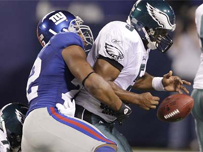 """It was a team we should have beat,"" Giants defensive lineman Osi Umenyiora (left) said of last season´s playoff loss to the Eagles, which he missed due to injury. (David Maialetti/Staff file photo)"