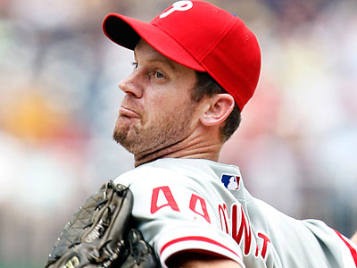 Roy Oswalt delivers a pitch for the Phillies. (Manuel Balce Ceneta/AP)