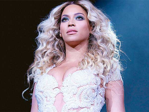 Beyonce (Invision for Parkwood Entertainment)