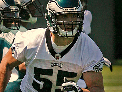 Will the return of Stewart Bradley be enough to solve the Eagles´ linebacker problems? (Alejandro A. Alvarez/Staff file photo)