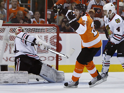 The Flyers´ Matt Carle celebrates his goal during the first period of Game 4. (Ron Cortes / Staff Photographer)