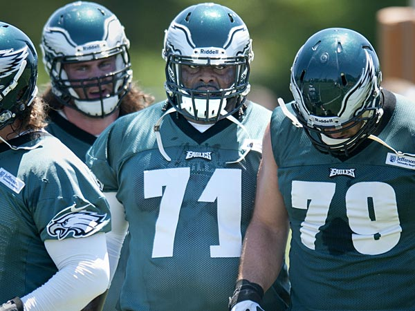 Eagles offensive lineman Evan Mathis (left), Jason Peters (center) and Todd Herremans (right). (Clem Murray/Staff Photographer)