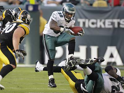 Eagles running back Brian Westbrook underwent successful ankle surgery Friday morning. (Ron Cortes/Staff file photo)