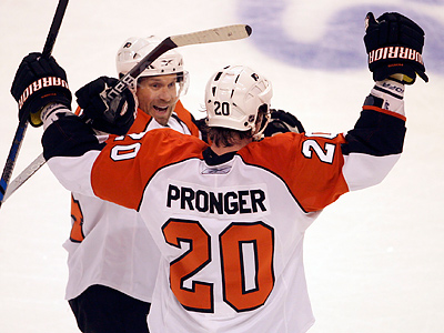 Chris Pronger´s performance in Game 7 will be key for the Flyers. (Yong Kim / Staff Photographer)