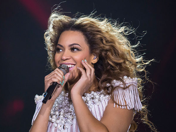 FILE - This May 17, 2013 file photo released by Parkwood Entertainment shows singer Beyonce performing during her Mrs. Carter Show World Tour 2013, in Zurich, Switzerland. (AP Photo/Parkwood Entertainment, Yosra El-Essawy)