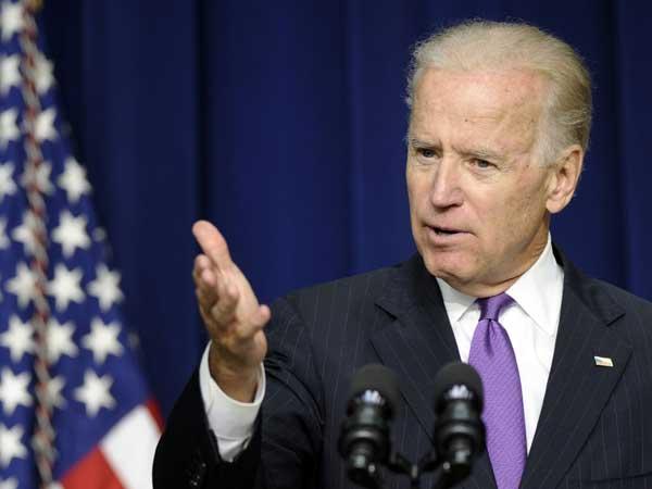 Vice President Joe Biden will eulogize New Jersey Sen. Frank Lautenberg this morning. (AP photo)