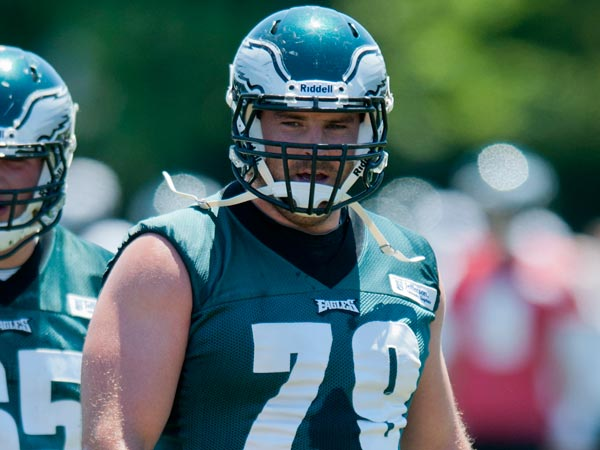 Eagles offensive lineman Todd Herremans participates in drills with the other lineman during the organized team activity on June 4, 2013. Clem Murray / Staff Photographer