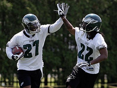 Asante Samuel (22) will miss the rest of OTAs while dealing with a personal issue, the Eagles said. (David Maialetti / Staff Photographer)