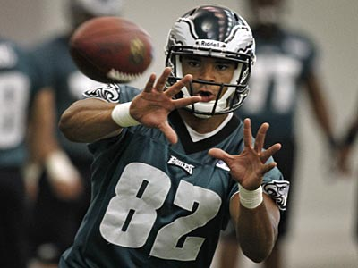 Eagles tight end Clay Harbor can rest easy, for now. (Alejandro A. Alvarez/Staff Photographer)