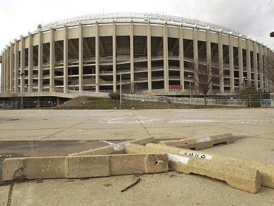 A Common Pleas Court judge ordered the Eagles to pay the city a net total of $3 million to resolve disputes over problems at Veterans Stadium. (Douglas Bovitt/AP file photo)
