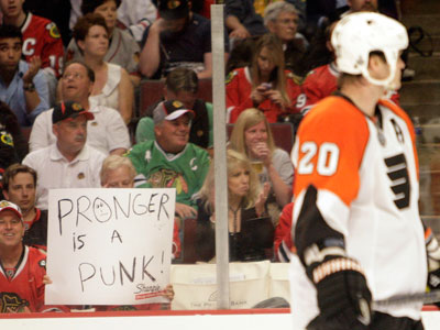 A Blackhawks fan taunts Chris Pronger. The Flyers will play Chicago in Game 6 of the Stanley Cup Finals, tonight. (Yong Kim / Staff Photographer)