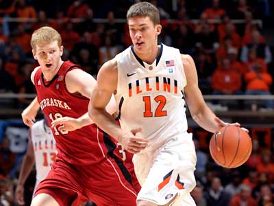 Illinois center Meyers Leonard is a potential target for the Sixers with the No. 15 pick. (John Dixon/AP)
