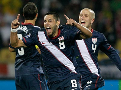 Clint Dempsey´s goal for the U.S. tied the game before the first half ended. (AP Photo/Elise Amendola)