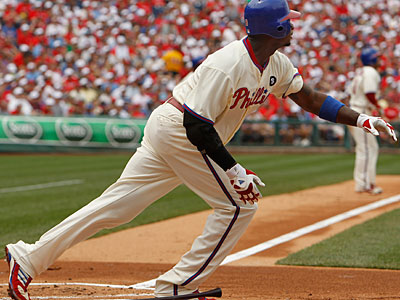 Ryan Howard went 3-for-3 with three RBI in the Phillies´ 4-3 win over the Cubs. (Ron Cortes / Staff Photographer)