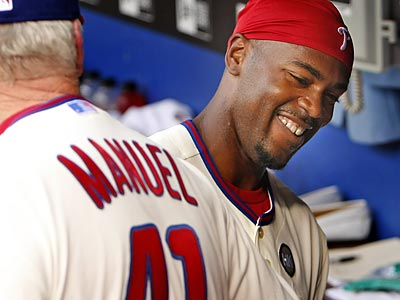 Jimmy Rollins´ solo home run gave the Phillies the lead in the seventh inning. (Ron Cortes/Staff Photographer)