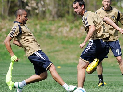 Union midfielders Fred (left) and Andrew Jacobson (right) are at opposite ends of the team´s salary scale. (Clem Murray/Staff file photo)