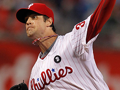 """Pitcher Cole Hamels said, """"I´m not injured. I´ll talk to you guys in five days."""" (Ron Cortes/Staff Photographer)"""