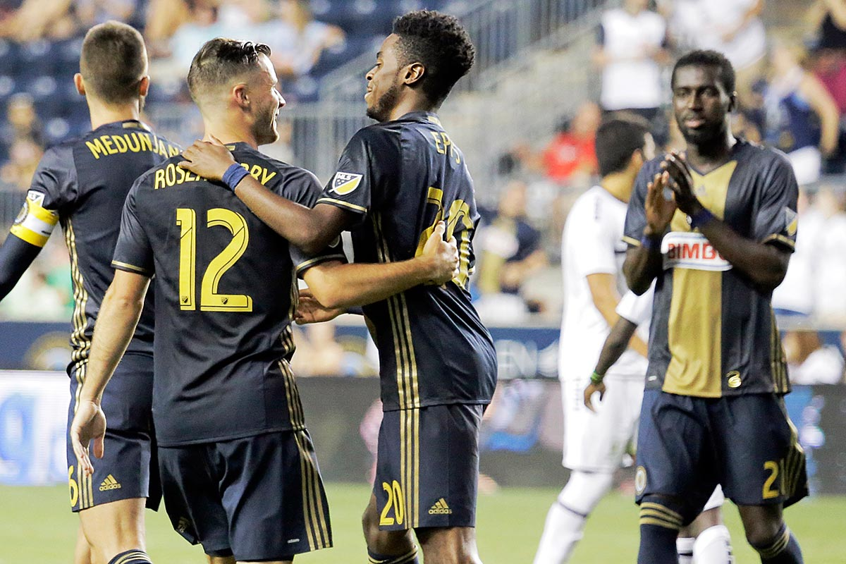 The Union´s Marcus Epps (center) is congratulated by teammates after he scored the Union´s third goal of the game.