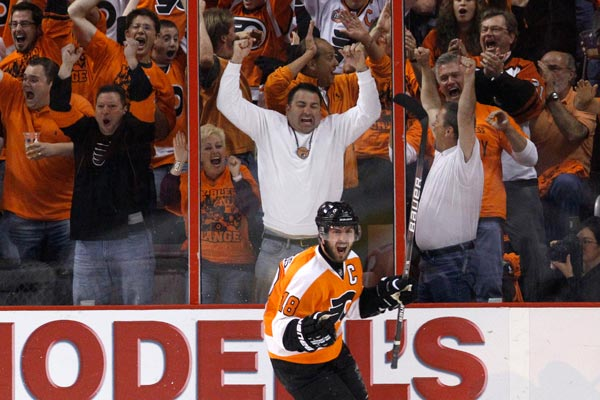 Flyers center Mike Richards and his teammates snuck into the playoffs on the last day of the regular season, and ended up advancing all the way to the Stanley Cup finals. (AP / File Photo)