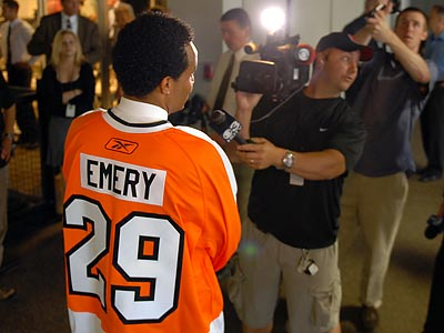Ray Emery comes to Philadelphia with a reputation as a troublemaker. (Tom Gralish/Staff Photographer)
