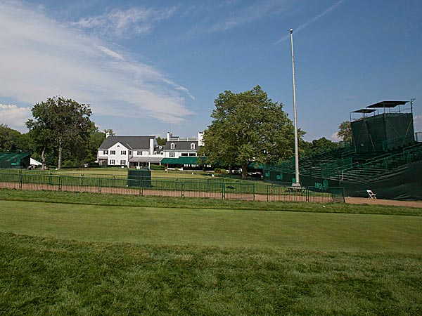 The USGA took what Merion had already done in toughening the layout, and used deep cuts of rough and persnickety pin placements to keep the golfers humble. (David M Warren/Staff Photographer)