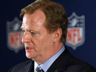 NFL owners reportedly would like to talk with Roger Goodell about expanding to 18 regular-season games. (AP Photo / Tony Gutierrez).