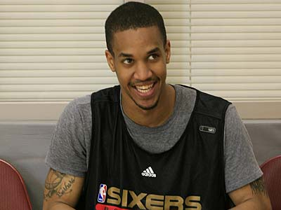 Eric Maynor, a guard out of Virginia Commonwealth, grins during a workout with the 76ers, June 14, 2009. The 76ers have the 17th pick in Thursday´s NBA Draft. (Akira Suwa / Staff Photographer)