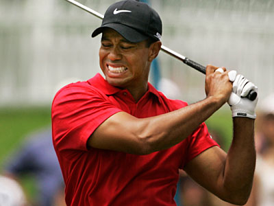 Tiger Woods announced on Twitter that he will not compete in next week´s AT&T National at Aronimik. (AP file photo)