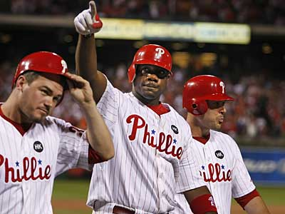 Ryan Howard was hospitalized twice over the weekend and diagnosed with acute sinusitis. (Ron Cortes / Staff Photographer)