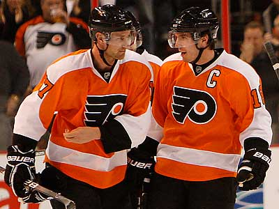 Jeff Carter and Mike Richards spent six seasons as teammates with the Flyers. (David Maialetti/Staff Photographer)